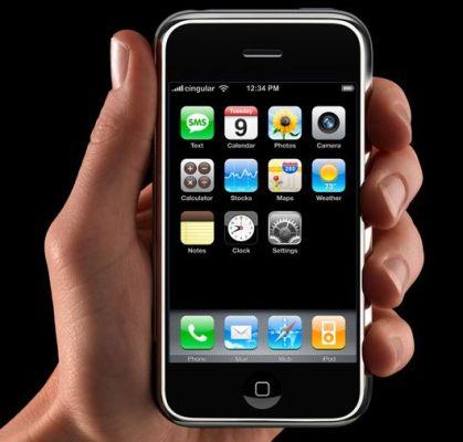 E' ufficiale, finalmente l' iPhone anche in Italia