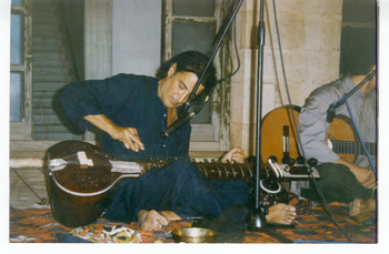 Francesco Colella: sitar, amore e conoscenza nel ventunesimo secolo