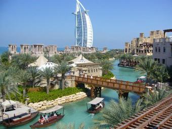 Un'esperienza da Mille e Una Notte negli Emirati Arabi, tra sogno e realtà