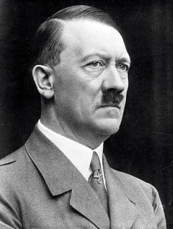 """Ritrovato uno scritto sul profilo psicologico di Hitler """"scioccante"""". Verrà venduto all'asta il prossimo marzo"""