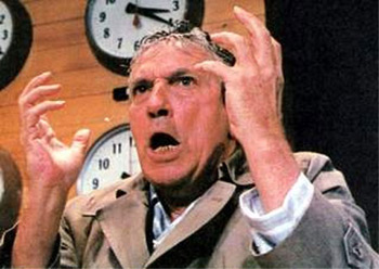 Howard Bill (Peter Finch)