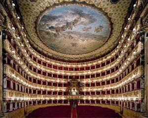 Il San Carlo di Napoli ritorna ai fasti di un tempo in una città di grande calore e cultura