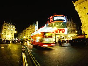 A Londra si è organizzata la più grande protesta contro la globalizzazione, cortei e dimostrazioni in varie parti della City
