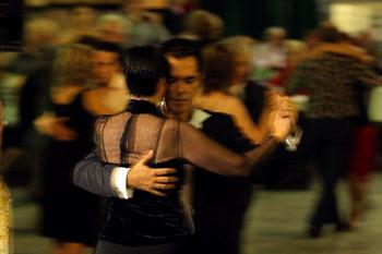 Tango taxi dancers, gli accompagnatori del Tango. Un servizio innovativo offerto a Buenos Aires