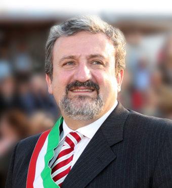 Lettera integrale del sindaco di Bari Michele Emiliano che invita ufficialmente il premier Silvio Berlusconi per l'inaugurazione del Teatro Petruzzelli