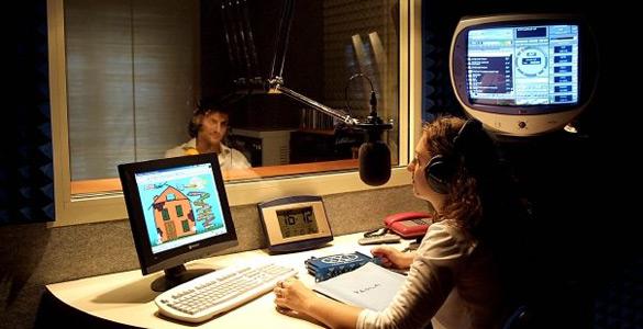 """L'Altraradio, """"Bella da Ascoltare"""" approda sul web con tante novità e con un nuovo modo di intendere la comunicazione"""