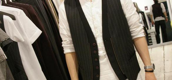 Il ritorno del gilè, questo il must della moda uomo estate 2009, parola di grandi stilisti internazionali