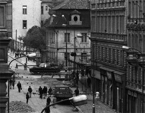"""""""Praga 20 agosto 1968, una storia privata"""" una mostra fotografica di Enzo Lattanzio nella Biblioteca Nazionale Centrale di Roma"""