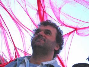 """Pippo Delbono, a Locarno con """"La Paura"""" il film di denuncia su un'Italia diversa"""