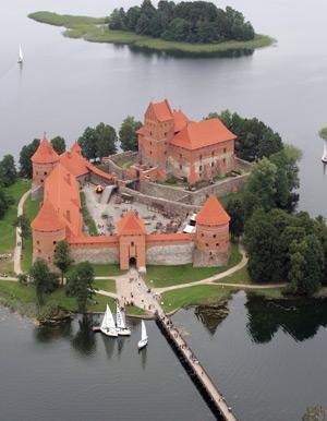 La città di Trakai in Lituania. Incanto e storia del castello sul lago