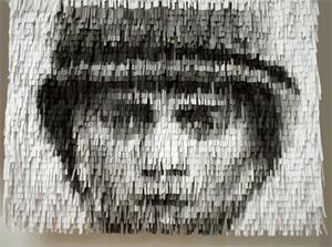 Pastelli a cera, brandelli di carta e l'arte strutturale di Christian Faur