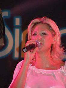 Passionale Simona Quaranta: voce che ti cattura