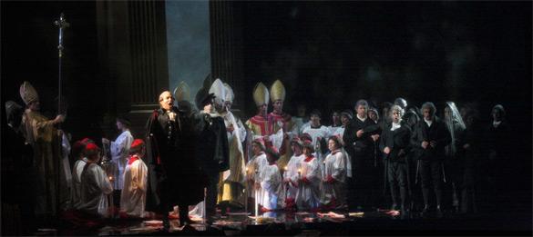 La Tosca di Puccini in scena al Piccinni di Bari. Aspettando il ritorno al Petruzzelli