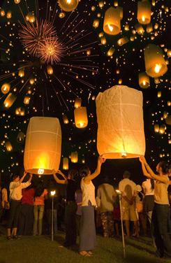 """La Thailandia risplende con il """"Festival delle Luci"""""""