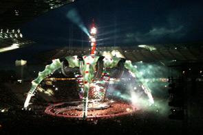 Un concerto trasmesso in diretta su You Tube, al passo con i tempi per gli U2