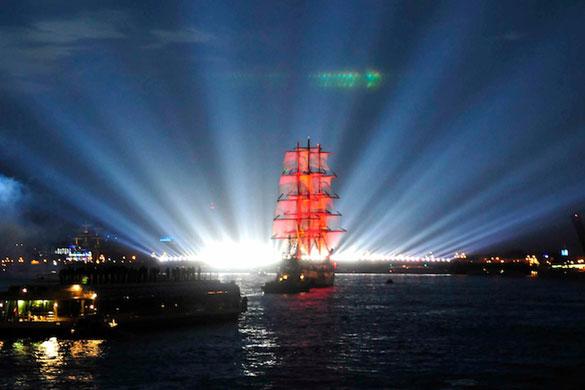 Russia, la magia delle notti bianche, spettacolo da non perdere