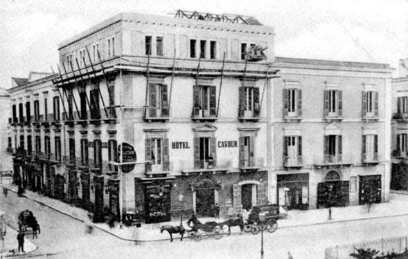 Bari, storia di una città. Il teatro Piccinni, Puccini e 'Pupe de Zzucchere'