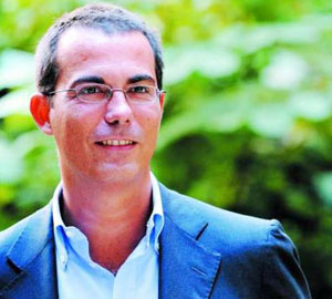 """""""Zona retrocessione, perché l'Italia rischia di finire in serie B"""" il libro di G. Floris"""