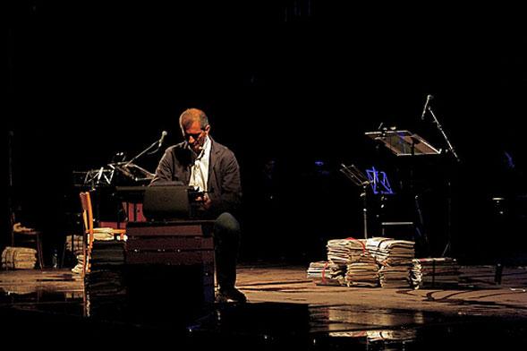 In scena a Bari per Puglia Sounds il reading musicale di Gianrico Carofiglio