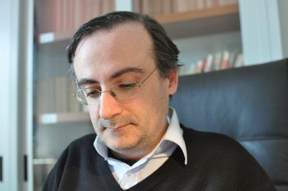 """""""Piccolo guasto alla centrale del tempo"""": il realismo magico di Ivan Scarcelli"""