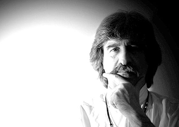 Intervista a Ezio Guaitamacchi autore di Delitti Rock, da lunedì 19 su Rai 2