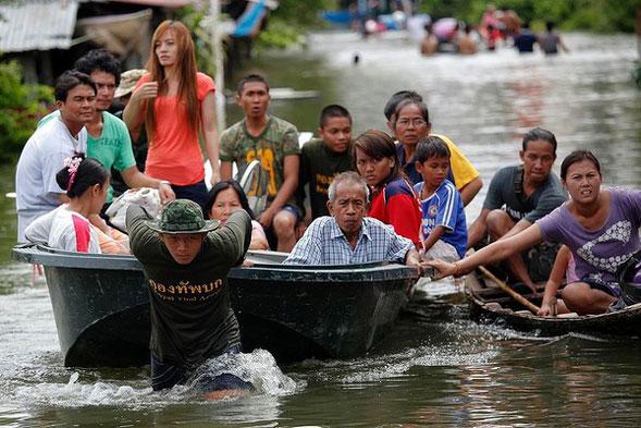 Thailandia-Bangkok 0-1: giochi di potere e strategie politiche in una battaglia a pelo d'acqua