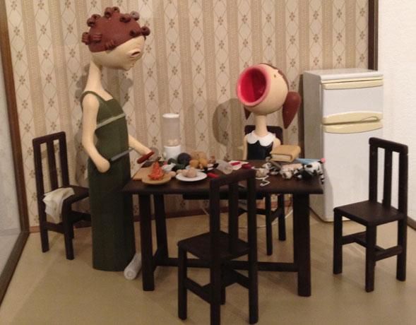 """Le """"Bambole tristi"""" di Claudia Giannuli in mostra a Fabrica Fluxus"""