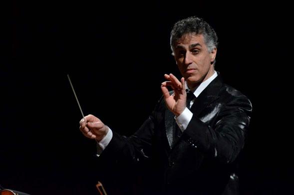 """Nir Kabaretti dirige l'Orchestra del Petruzzelli per il secondo appuntamento di """"Sinfonie d'Inverno"""""""