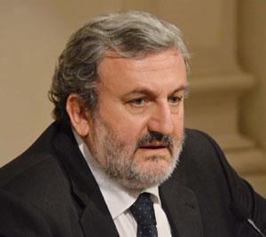 Commissariato il Teatro Petruzzelli, Michele Emiliano ne parla in una urgentissima conferenza stampa