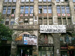 Sta per chiudere il Tacheles, a Berlino il simbolo della Casa d'arte d'Europa