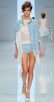 Demin couture. La rivincita della tela di Genova nella moda