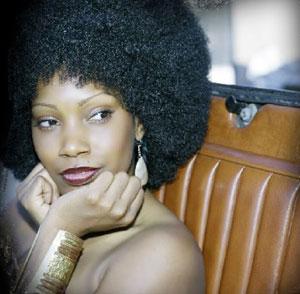 """""""Love Letters"""" è il nuovo lavoro discografico della soulful """"diva"""" Gina Carey"""