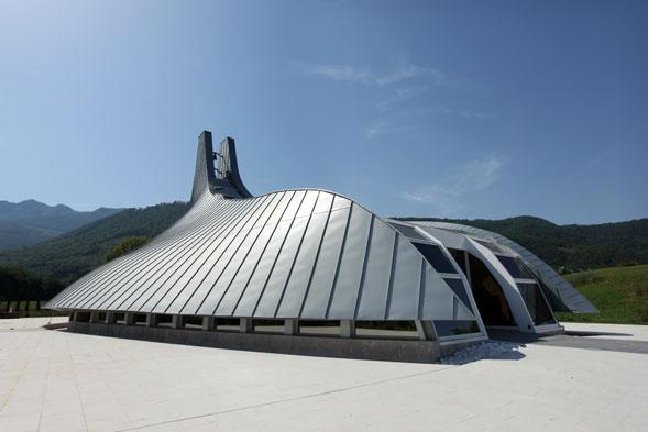 """Si inaugurerà domani la cappella """"Madonna della Stella"""" a Riardo, opera di Pininfarina"""