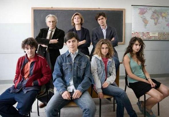 Il rosso e il blu, Giuseppe Piccioni torna al cinema con un film sulla scuola