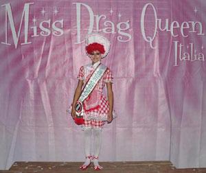 Valkyria al secolo Simone Rossi è Miss Drag Queen 2012