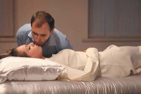 "Taras Polataiko a Kiev sfida la natura umana con ""La bella addormentata"""