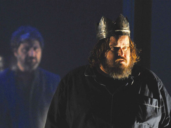 Macbeth di Andrea De Rosa con Beppe Battiston