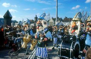 Lucerna: fare turismo tra follia e magia per il suo Carnevale
