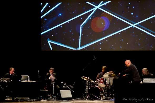 Un mix fra jazz norvegese, ritmica africana ed elettronica, al Teatro Manzoni di Milano