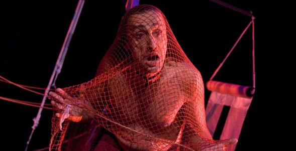 Antonio Rezza, incredibilmente geniale al Teatro Kismet