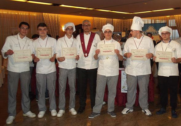 L'Eraclio d'oro a Barletta, l'eccellenza gastronomica all'ombra del colosso