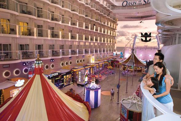 Oasis of the Seas, la nave da crociera più grande del mondo arriva nel Mediterraneo