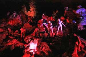 """Hell in the cave: l'inferno di Dante """"ritorna"""" nelle Grotte di Castellana"""