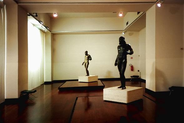 I Bronzi di Riace, un'attrattiva culturale e turistica per tutta la Calabria