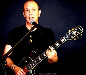 Sergio Caputo torna a Bari il 24 maggio per un concerto speciale al Njlaja