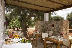 Lsdmagazine l albergo rurale i mulicchi ha preparato tre itinerari per un estate tra sapori e - Albergo diffuso specchia ...
