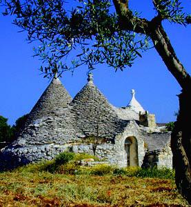DOSSIER. In Puglia, il sommerso turistico cresce in forma esponenziale e insostenibile