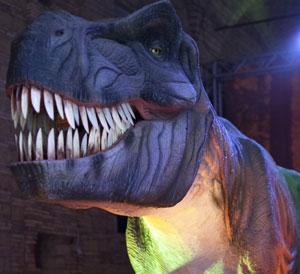 """Dal 4 aprile debutta a """"Il Centro"""" di Arese la mostra dei colossali dinosauri animatronici"""