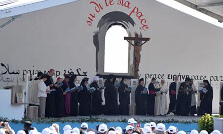 Il Papa a Bari: ascoltare il grido del Medio Oriente, terra devastata
