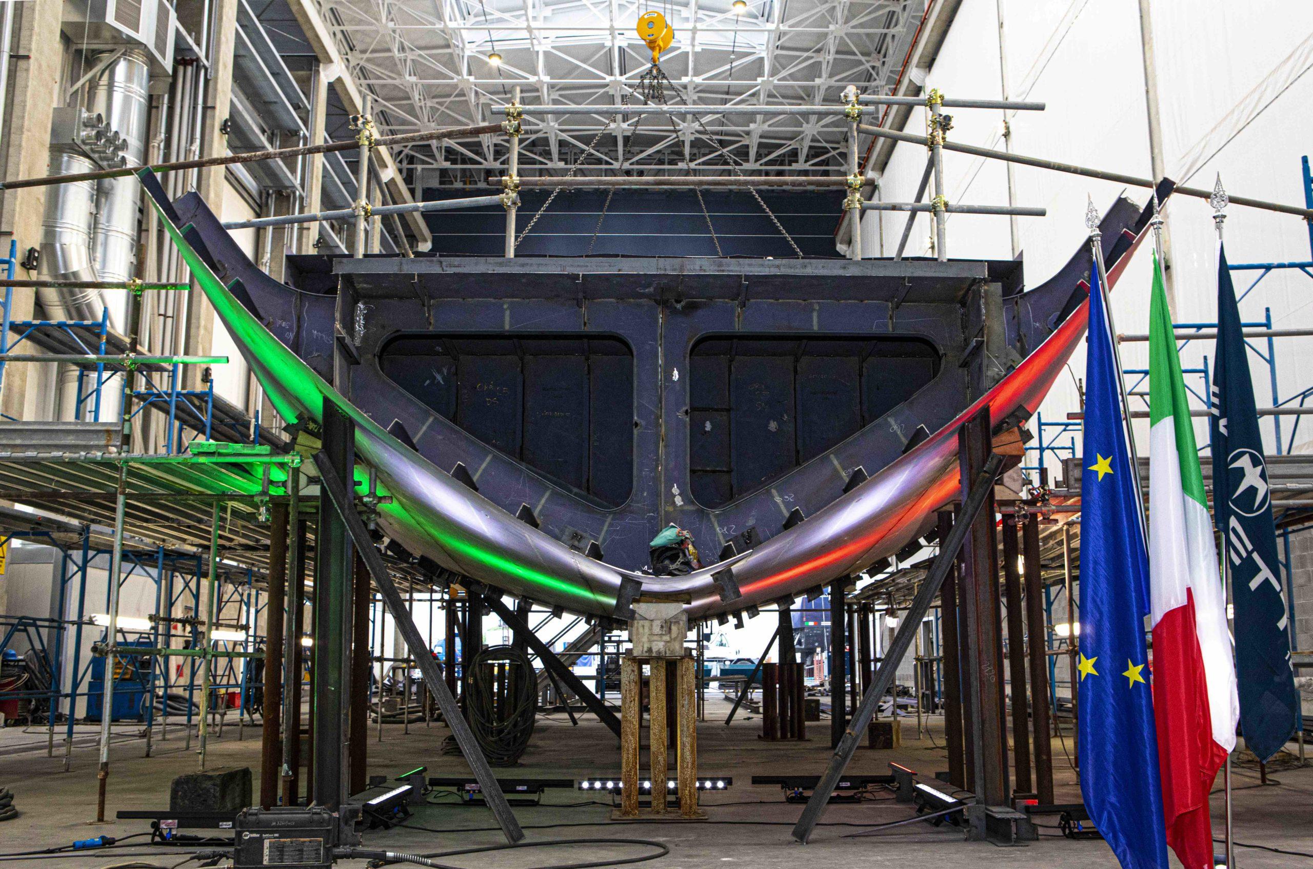 la baglietto lancia  una nuova generazione di yacht TLine
